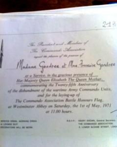1971- En présence de la Reine Mère Elisabeth - Service à l'Abbaye de Westminster- Remise des Etendards Commandos