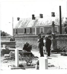 GENERAL-GALE-THERESE-au-Cimetière-de-Bénouville